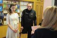 Історія кохання: боєць «Азова» втратив ногу, але знайшов дружину
