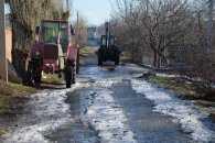 У Миколаєві комунальники ліквідували прорив, через який дорога перетворилася на ковзанку