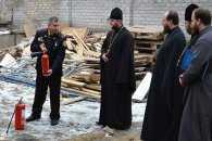 У Дніпрі священиків вчили користуватися вогнегасниками