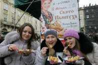 Чим годують москалів у Львові (ВІДЕО)