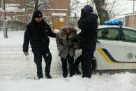Патрульні Кропивницького врятували жінку напідпитку та пенсіонера