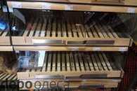 Одесити жваво спустошують полиці супермаркетів (ФОТО)