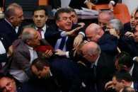 Турецькі нардепи побились через зміни до Конституції