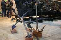 Запоріжцям показали двохсотлітні якорі, знайдені нещодавно на морському дні (ФОТОРЕПОРТАЖ)