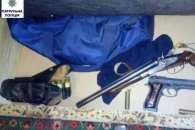 У миколаївця, який ображав дружину і падчірку, знайшли арсенал зброї