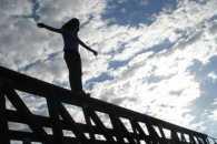 У Дніпрі патрульні врятували дівчину від суїциду