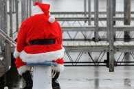 В Сумах Діда Мороза побили за те, що він несправжній