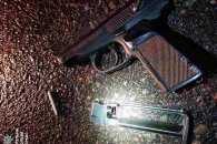 У Черкасах поліцейські затримали п'яного водія з пістолетом