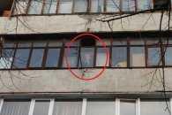 На одному з балконів багатоповерхівки на проспекті Соборному обличчям к вулиці встановлений портрет Леніна