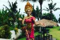 Полякова влаштувала весільну вечірку на Балі (ФОТО, ВІДЕО)
