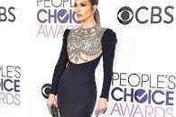 People's Choice Awards-2017: як зірки хизувалися вбранням