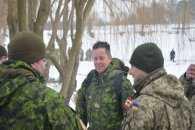 У Кам'янці в крижану купіль пірнали українські й канадські сапери