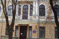 У Вінниці підсудний під час судового засідання вчинив ще один злочин і втік із зали суду