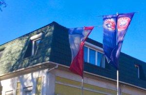 Як футбольний союз окупованого Криму перетворив прапор УЄФА на ганчірку