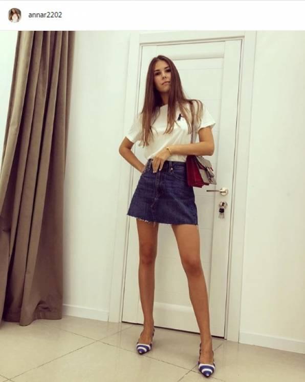 Жена в мини юбке фото — pic 3