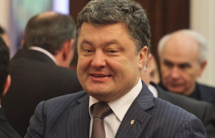 Шансы Порошенко стать президентом в три раза выше, чем у Тимошенко - опрос
