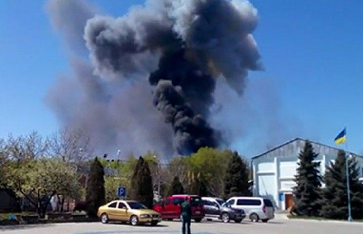 В Краматорске вместе с вертолетом взорвали самолет