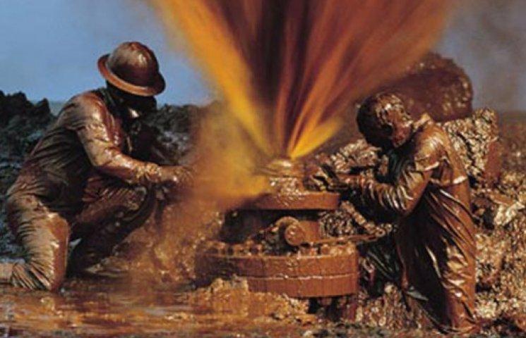Возле Славянска бил фонтан нефти