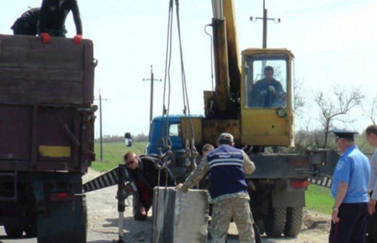 Херсонщину прячут от сепаратистов за бетонными блоками