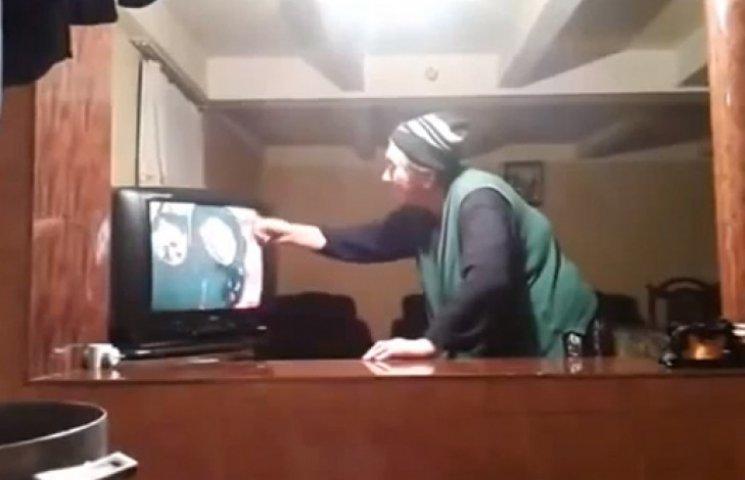 Грузинская бабушка, которая смотрит сериал, «рвет» интернет