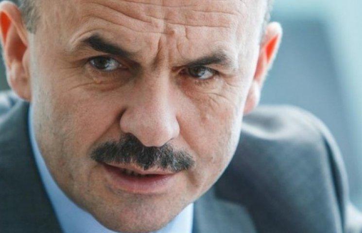 """Закарпатський губернатор їздить на стареньких """"Жигулях"""""""