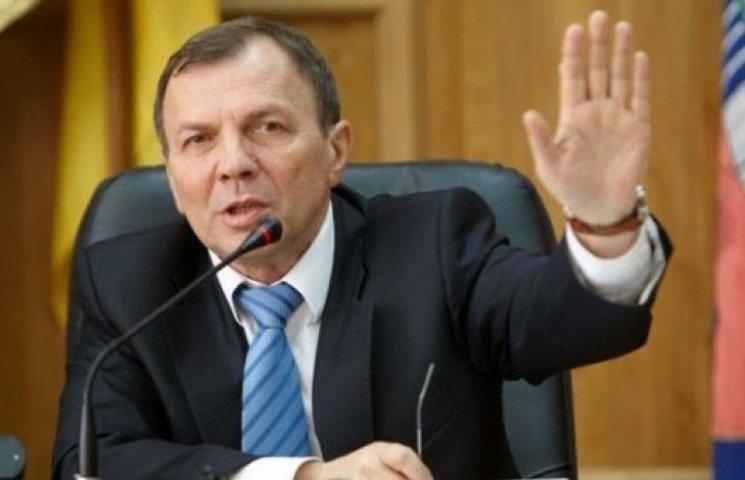 """Ужгородський мер """"відмазує"""" своїх чиновників від мобілізації"""