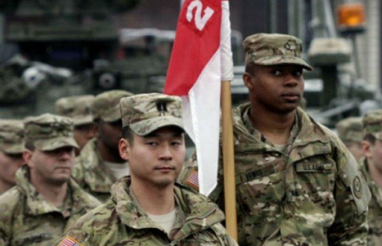 Як військові матюкаються в арміях світу