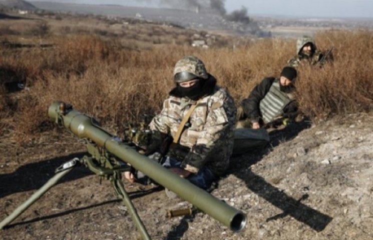 """Фронтові історії: Прифронтовий Артемівськ - міни, скотч та """"джавеліни"""""""