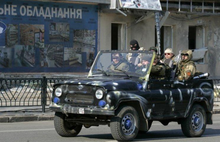 """На святкування """"річниці створення ДНР"""" у Донецьку прийшло 15 людей (ВІДЕО)"""