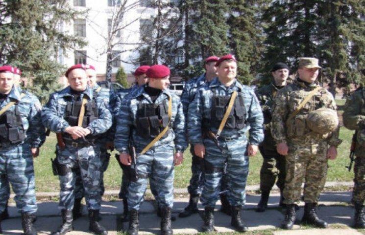 Краматорськ довірили патрулювати чемним міліціонерам і силовикам (ФОТО)