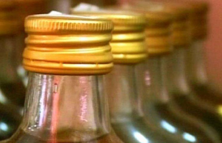 Партія дешевого контрабандного спирту з Росії не дійде до українського споживача