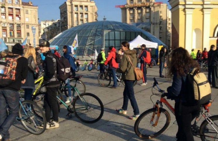 Кличко приїхав у мерію на велосипеді (ФОТО)