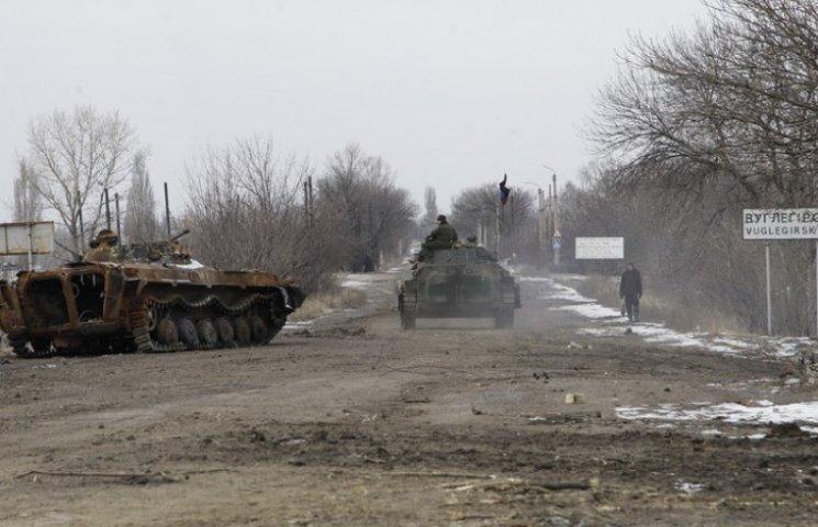 Бойовики перекидають гармати і танки у Дебальцеве, – штаб АТО