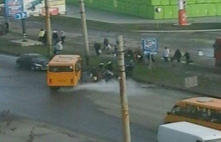 У переповненій маршрутці в Сумах прорвало газовий балон