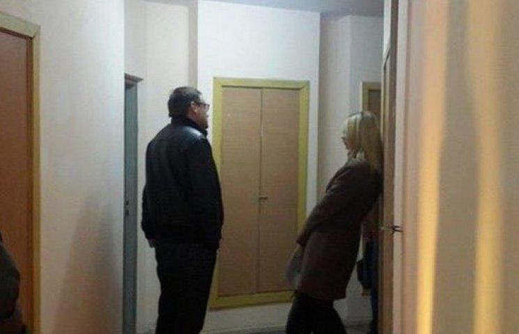 Обшук в кабінеті Козаченко завершено. Забрали документи та жорсткий диск комп
