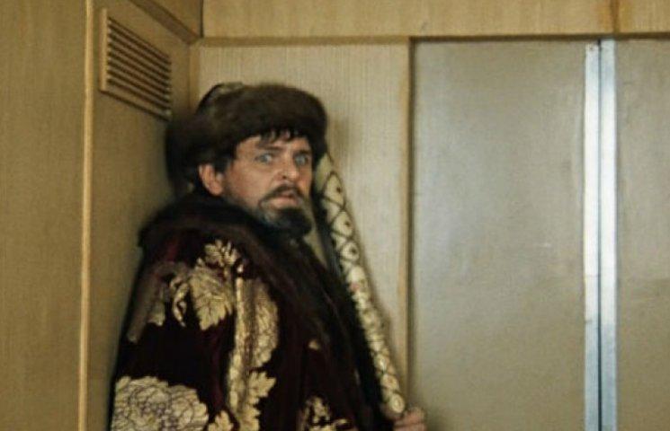 Посидівши в ліфті, сумський губернатор переоцінив роботу міської влади