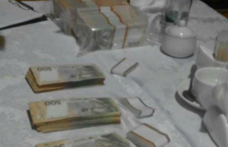 На Київщині сільський голова погорів на хабарі у $600 тисяч (ФОТО)