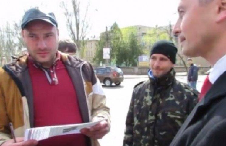 На Запоріжжі депутату-комуністу намагалися вручити повістку до армії, але він втік (ВІДЕО)