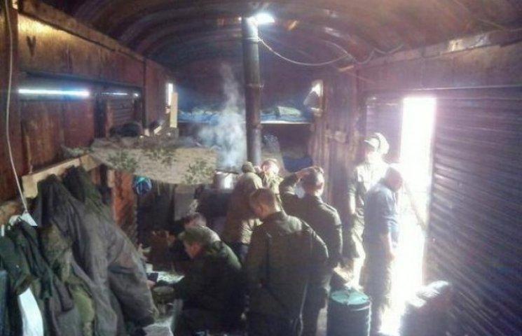 Російських солдатів везуть на війну в Україну у вагонах для худоби (ФОТО)
