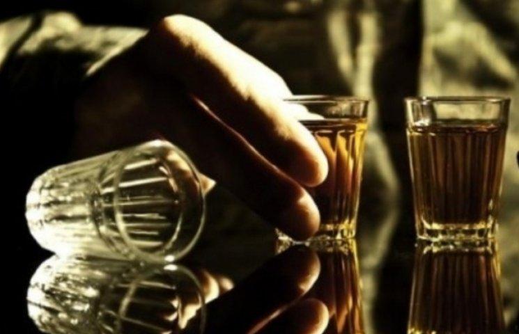 В Ужгороді людям у військовій формі алкоголь не продаватимуть