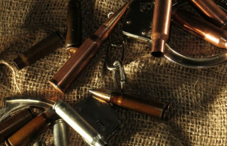 """Лідера """"Правого сектора"""" Сумщини судитимуть за незаконне зберігання зброї"""