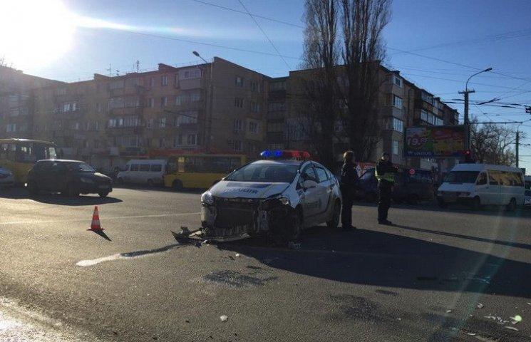 У Дніпропетровську поліцейський, який розбив патрульну автівку отримав штраф