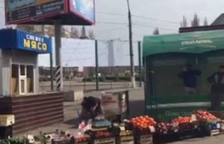 У Миколаєві на скандальному місці розгоратають новий стихійний ринок