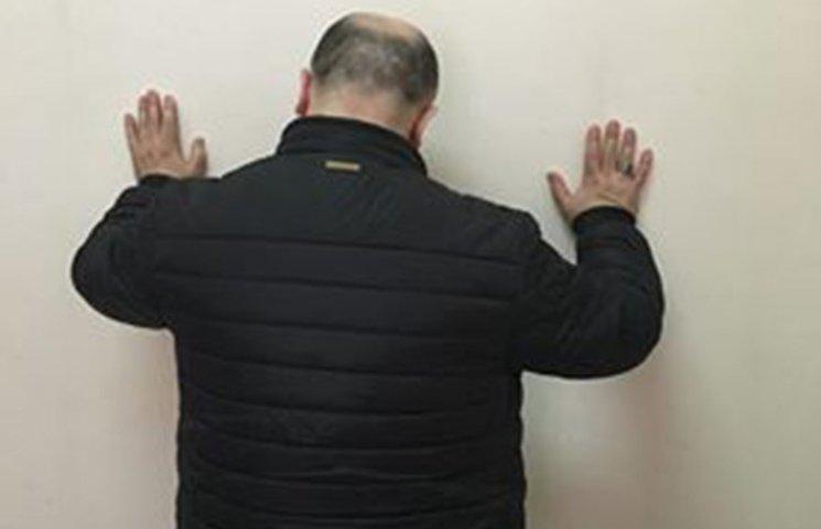 СБУ зловила шахрая із Азербайджану, якого шукав Інтерпол