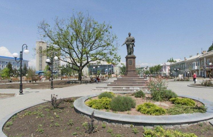 На Запорожье собирают подписи за снос памятника графу Воронцову