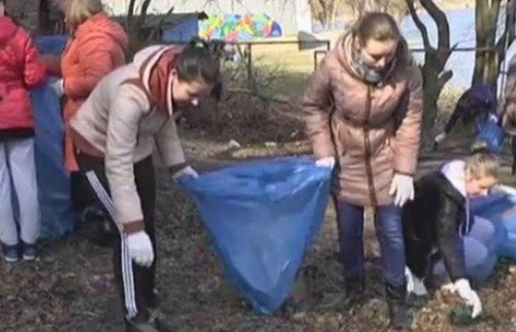 Вінницькі студенти зібрали 1300 пакетів сміття
