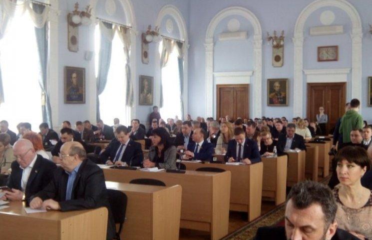 В Николаеве депутаты без обсуждения приняли чертову дюжину целевых программ
