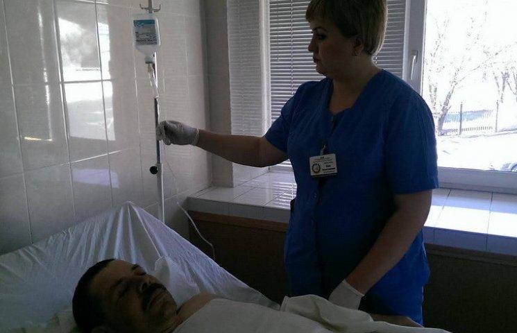 Дніпропетровські лікарі врятували пораненого з Авдіївки