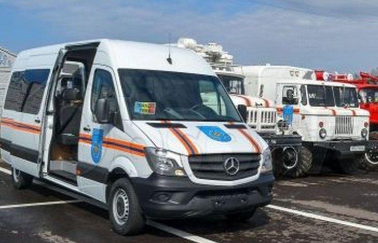 Вінницькі рятувальники їздили в Молдову на відкриття пожежної частини
