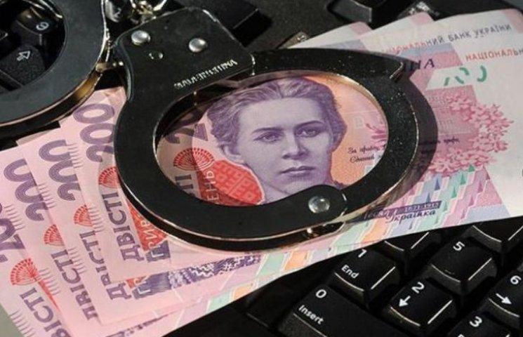 Миколаївський екс-поліцейський відбувся штрафом за попередження кримінального авторитета